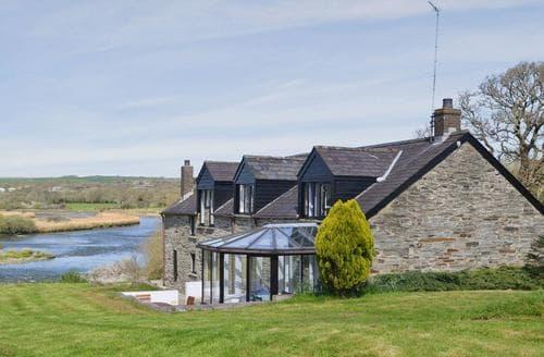 Big Cottages - Adorable Cardigan Cottage S21549