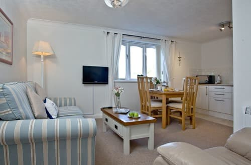 Last Minute Cottages - Delightful Kingswear Apartment S132873