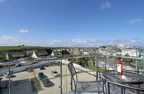Last Minute Cottages - Wonderful Newquay Apartment S132979