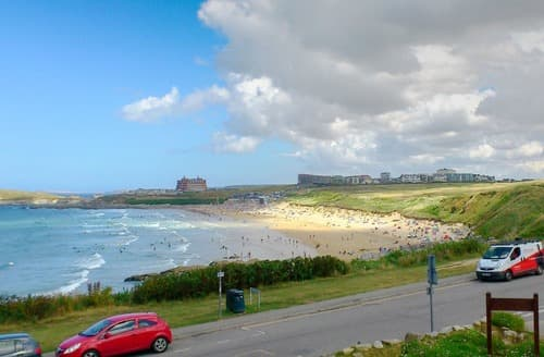 Last Minute Cottages - Stunning Newquay Apartment S133024