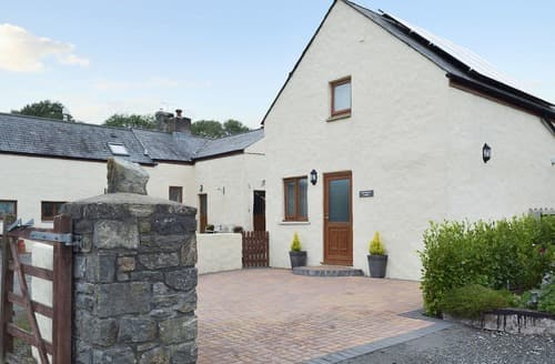 Last Minute Cottages - Adorable Tenby Lodge S69869