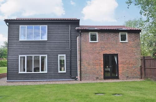 Last Minute Cottages - Inviting Melton Constable Cottage S17531