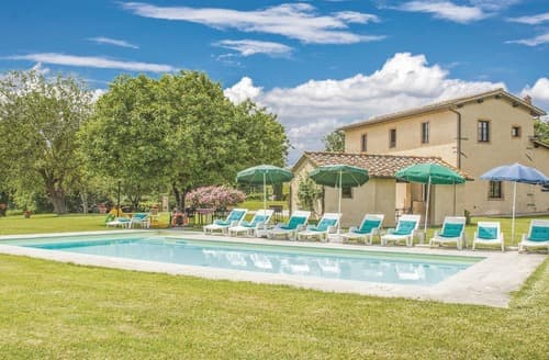 Last Minute Cottages - Collina