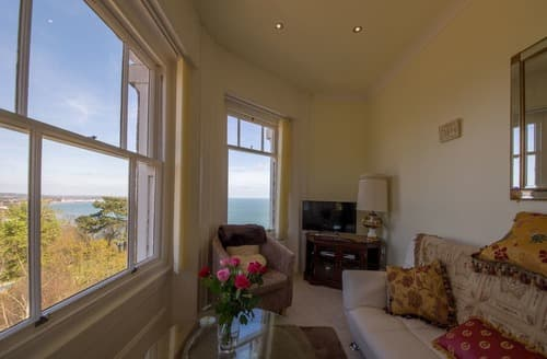 Last Minute Cottages - Lovely Shanklin Apartment S133167