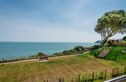 Last Minute Cottages - Adorable Sandown Apartment S133173