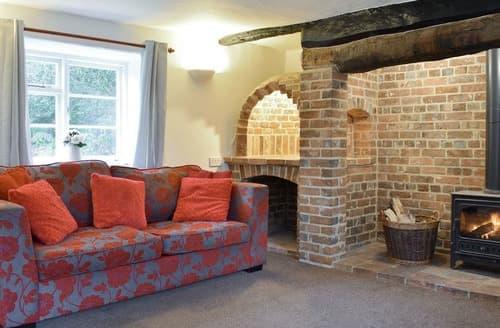 Last Minute Cottages - Luxury Moreton Cottage S133194