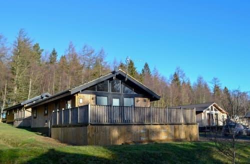 Last Minute Cottages - Pine Tree Lodge