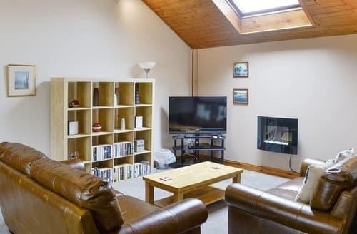 Dog Friendly Cottages - Wonderful Keswick Apartment S84762