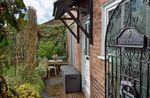 Last Minute Cottages - Charming Ashbourne Cottage S45304