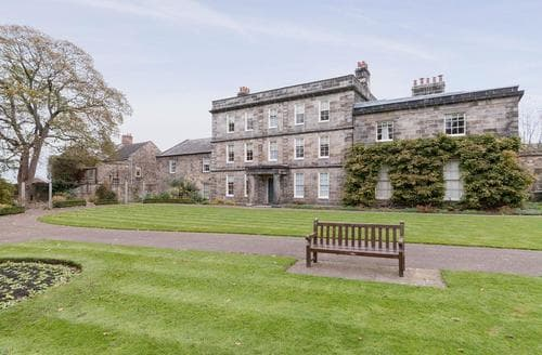 Last Minute Cottages - Hexham House Apartment 4 - UK3195