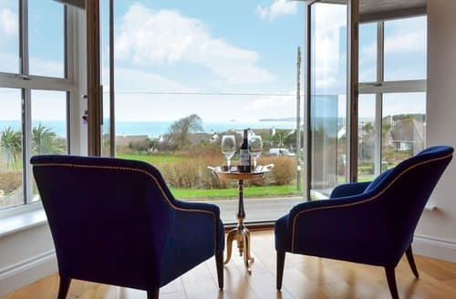Last Minute Cottages - Superb Carbis Bay Apartment S133534