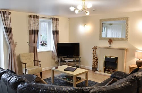 Last Minute Cottages - Superb Edenhall Apartment S133539