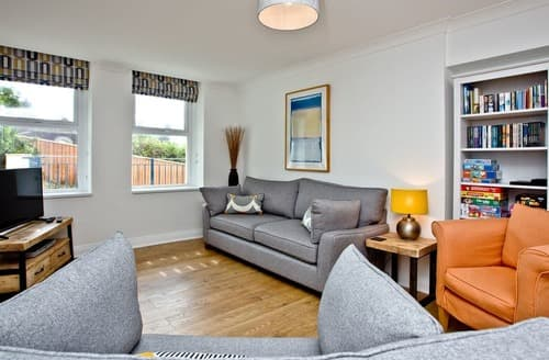 Last Minute Cottages - Delightful Woolacombe Apartment S132589