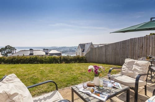 Last Minute Cottages - Quaint Torquay Apartment S132610