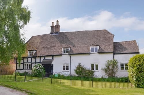 Big Cottages - Beautiful Cheltenham Cottage S24891