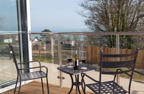 Last Minute Cottages - Wonderful Duporth Apartment S132657