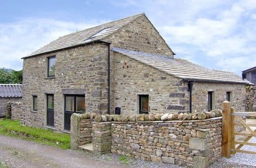 Last Minute Cottages - Manor House Barn