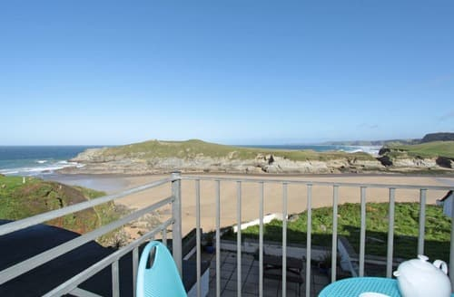 Last Minute Cottages - Tasteful Newquay Apartment S132726
