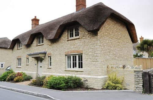 Last Minute Cottages - Hambury House