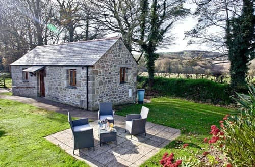 Last Minute Cottages - Lanhydrock Barn