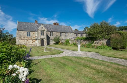 Dog Friendly Cottages - Kingston Manor