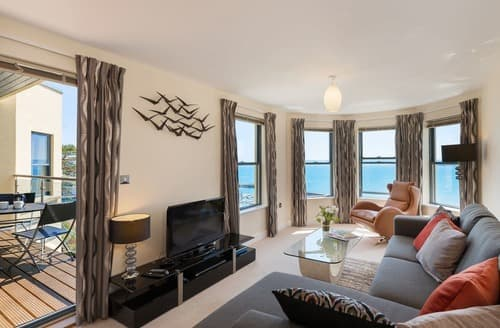 Last Minute Cottages - Excellent Torquay Apartment S132804