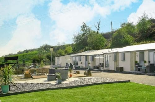 Last Minute Cottages - Quaint Lydney Cottage S81888