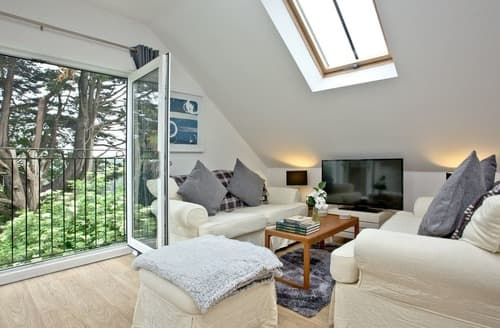 Last Minute Cottages - Luxury Torquay Cottage S132823