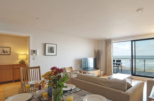 Last Minute Cottages - Beautiful Westward Ho! Apartment S132832