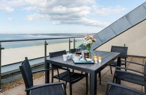 Last Minute Cottages - Stunning Westward Ho! Apartment S132833