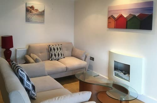 Last Minute Cottages - Adorable Sandbanks Apartment S132892