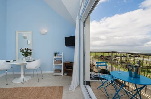 Last Minute Cottages - Captivating Seaton Apartment S132900