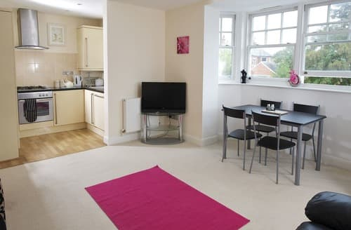 Last Minute Cottages - Exquisite Weymouth Apartment S132933