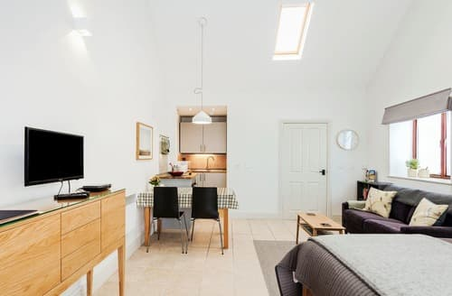 Last Minute Cottages - Wonderful Porlock Apartment S132937