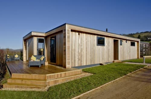 Last Minute Cottages - Whileaway Lodge Strawberryfield Park