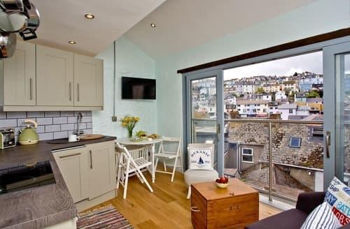 Last Minute Cottages - Inviting Brixham Apartment S132946