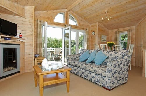 Last Minute Cottages - Splendid St. Merryn Lodge S132974
