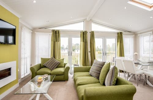 Last Minute Cottages - Cosy Wisbech Lodge S132984