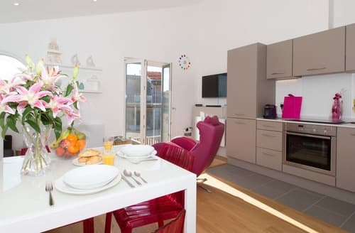 Last Minute Cottages - Wonderful St Ives Lodge S132997