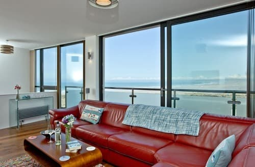 Last Minute Cottages - Captivating Westward Ho! Apartment S133018