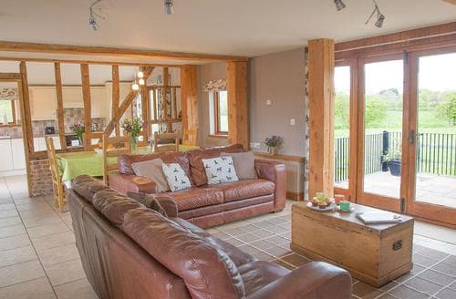 Last Minute Cottages - Henry's Barn - UKC3168