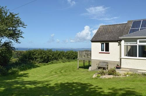 Last Minute Cottages - Tasteful Haverfordwest Lodge S85459
