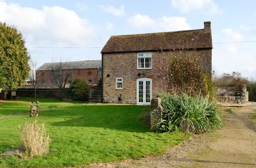Dog Friendly Cottages - Stunning Stroud Cottage S16316