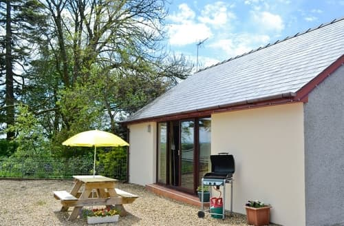 Last Minute Cottages - Elm View-W42961