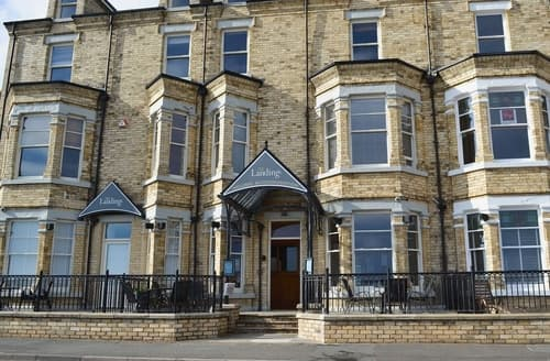 Last Minute Cottages - Gorgeous Filey Apartment S15083