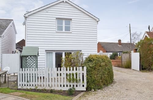 Last Minute Cottages - Exquisite Colchester Cottage S25142