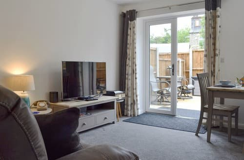 Last Minute Cottages - Shepley Mews
