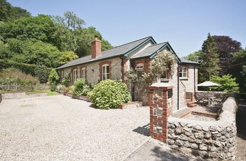 Last Minute Cottages - Luxury Lyme Regis Cottage S19806