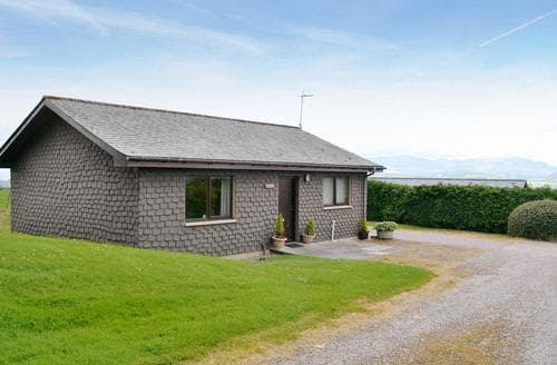 Last Minute Cottages - Cosy All Black Isle Cottage S83427