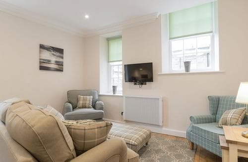 Last Minute Cottages - Hexham House Apartment 3 - UK3194